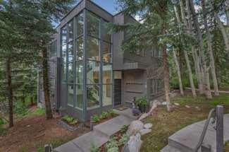 Erik Cavarra Lists this stunning Three Bedroom Meadow Ranch Residence