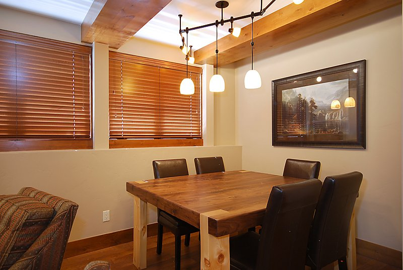 Aspenwood J-B_Dining Room.jpg