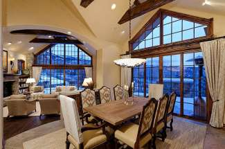 Castle Pines: Luxurious Home in the Pines